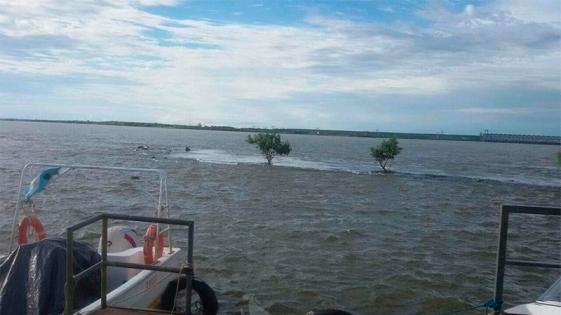 El Paraná llega a nivel de alerta en Chaco y clausuran playas en Corrientes
