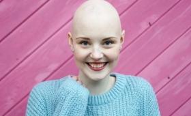 Influencer en Instagram: una alemana muestra su batalla contra el cáncer