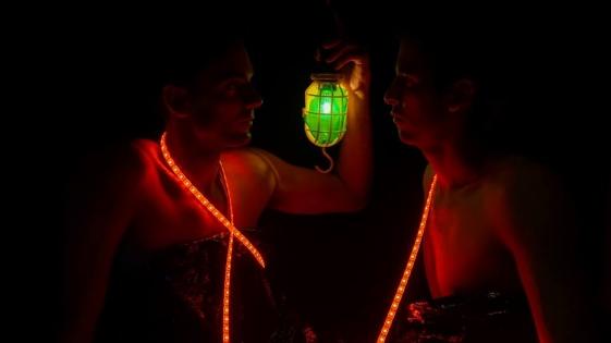 """Teatro Físico: """"Noche y Frontera"""" se presenta este viernes en Posadas"""