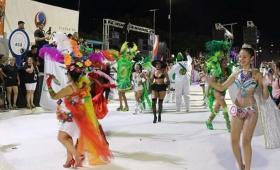 Comparsa de Itaembé Miní, campeona del carnaval