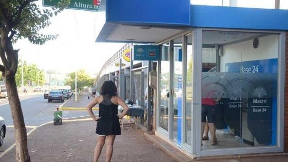 Armados, acechaban a usuarios de cajeros automáticos