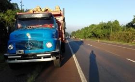 Motociclista falleció al chocar contra un camión