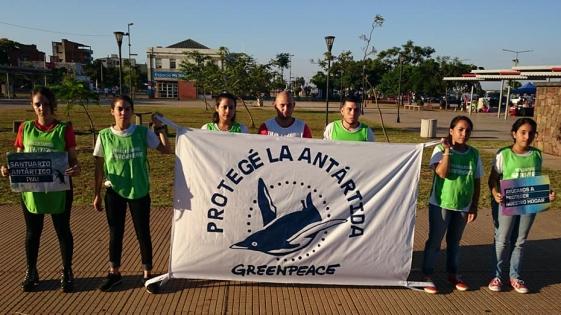 Voluntarios de Greenpeace por la creación de un santuario antártico