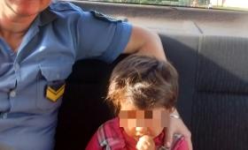 Niña de tres años deambulaba sola por Alem