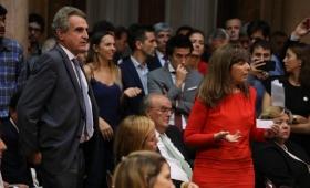 """Video: así fue el escándalo del """"papelito"""" en el Congreso"""