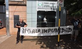 Oberá: tres personas marcharon contra la impunidad de Rindfleisch