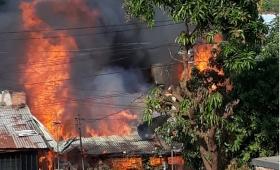 Brutal incendio en Chacra 181