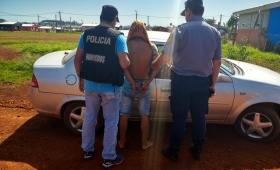 Se escondió de la policía en una heladera; fue detenido