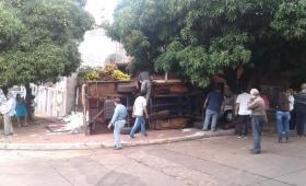 Impactante vuelco sobre avenida Francisco de Haro