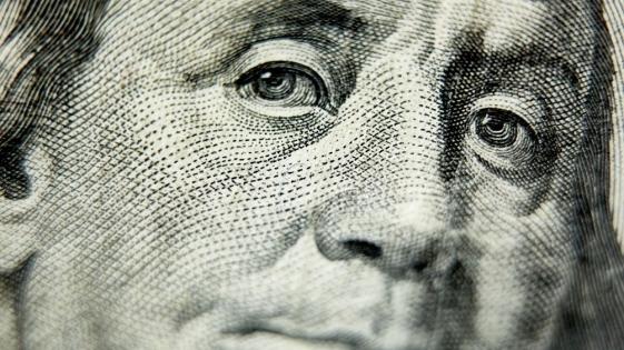 El dólar volvió a caer y cerró a $ 24,86