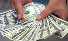 El dólar minorista cerró a $23,22, el mayorista a $22,69