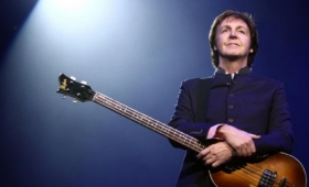 Paul McCartney, nombrado acompañante de honor de Isabel II
