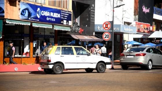 """Taxistas advierten: """"Hoy, la tarifa está por debajo del precio de la nafta"""""""