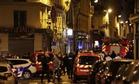 París: un hombre acuchilló a varias personas