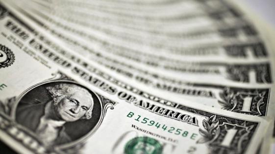 El dólar retrocedió 1,26% en la semana y cerró en $38,30