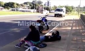 Despistó una moto; dos heridos