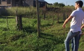 Gastón Caballero recorrió barrios de Apóstoles