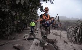 Guatemala: aumenta hasta 99 el número de muertos por el volcán