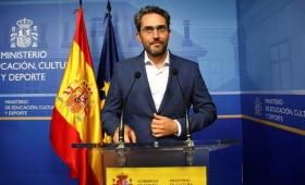 Renunció el ministro de Cultura en España por defraudar al fisco