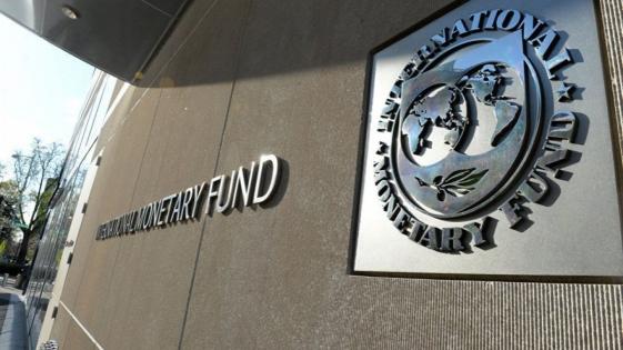 "El FMI instó a la Argentina a profundizar un ""ajuste favorable al crecimiento"""
