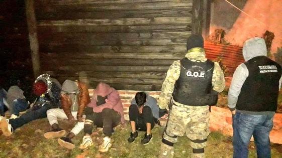 """Garupá: desarmaron """"kioscos"""" de drogas y detuvieron a """"dealers"""""""