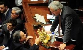 El Senado pierde sus principales figuras con el recambio electoral