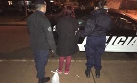 """Una mujer intentó llevar la """"picada"""" sin pagar y terminó detenida"""