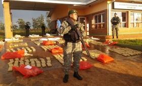 Posadas: secuestran camioneta con más de 700 panes de marihuana