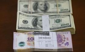 El dólar retrocedió nueve centavos