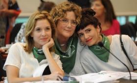 Aborto: varias artistas le salieron al cruce a Michetti