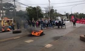 """""""Pedimos dignidad salarial y les preocupan los carteles"""""""