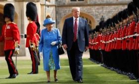 Donald Trump y Melania tomaron el té con la reina Isabel II