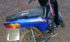Cinco detenidos y dos motocicletas secuestradas
