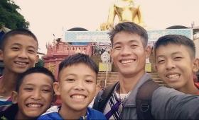 Tailandia: meditación, el secreto del entrenador para sostener al grupo de chicos