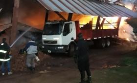 Investigan el incendio de un secadero en Campo Ramón