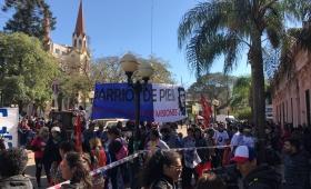Organizaciones sociales marchan por Pan y Trabajo en Posadas