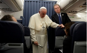 El Vaticano corrige los polémicos dichos del Papa sobre la homosexualidad