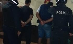 Borrachos causaban desorden en Garupá y terminaron presos