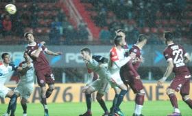 San Lorenzo lo ganaba 2-0 y Lanús se lo empató