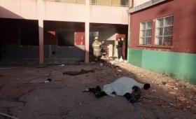 Explotó garrafa en una escuela: vicedirectora y portero muertos