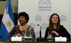 Tras el rechazo a la ley de aborto, Dora Barrancos fue distinguida en el Senado