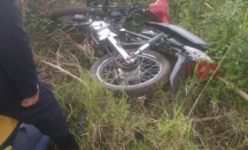 Sorprenden a joven escondiendo una moto robada