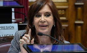Cristina pidió suspender el juicio por corrupción en la obra pública
