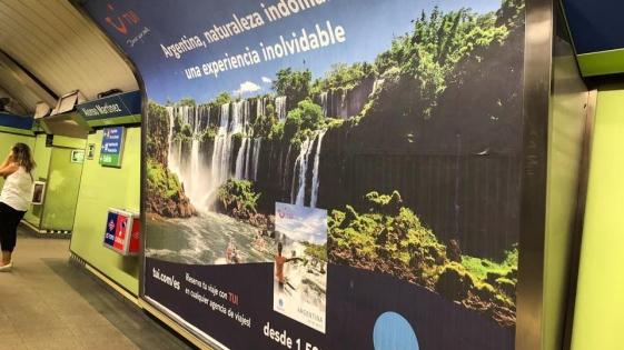 Las Cataratas del Iguazú en el metro de Madrid