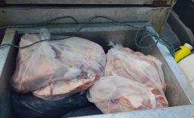 Secuestran carne, chorizos y queso regional