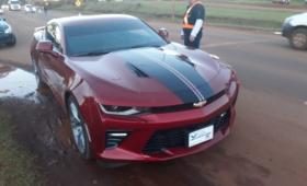 Secuestran un Chevrolet Camaro por falta de documentaciones