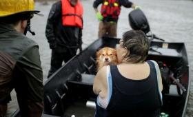 """El Huracán Florence sigue causando """"inundaciones mortales"""""""