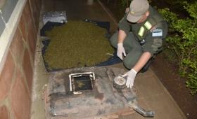Escondió droga en el tanque de combustible