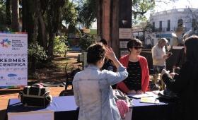 """Semana de la Ciencia: realizan """"Kermés Científica"""" en la Plaza 9 de Julio"""