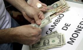 El dólar cerró en $ 38,18 y acumula una baja de 8,8%